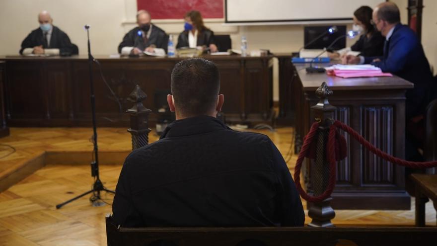 Dos años y 340.000 euros por dejar discapacitado de un puñetazo a un benaventano en La Veguilla