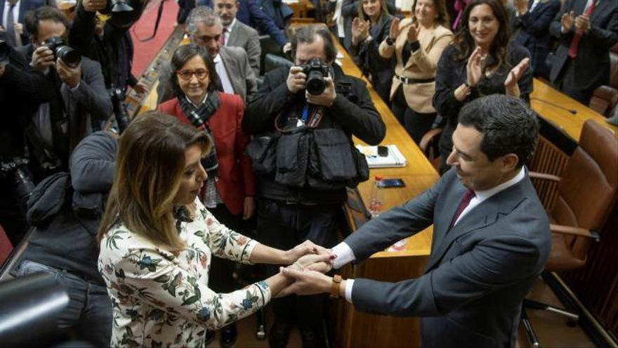 Juanma Moreno, investido presidente de Andalucía con el apoyo de PP, Cs y Vox