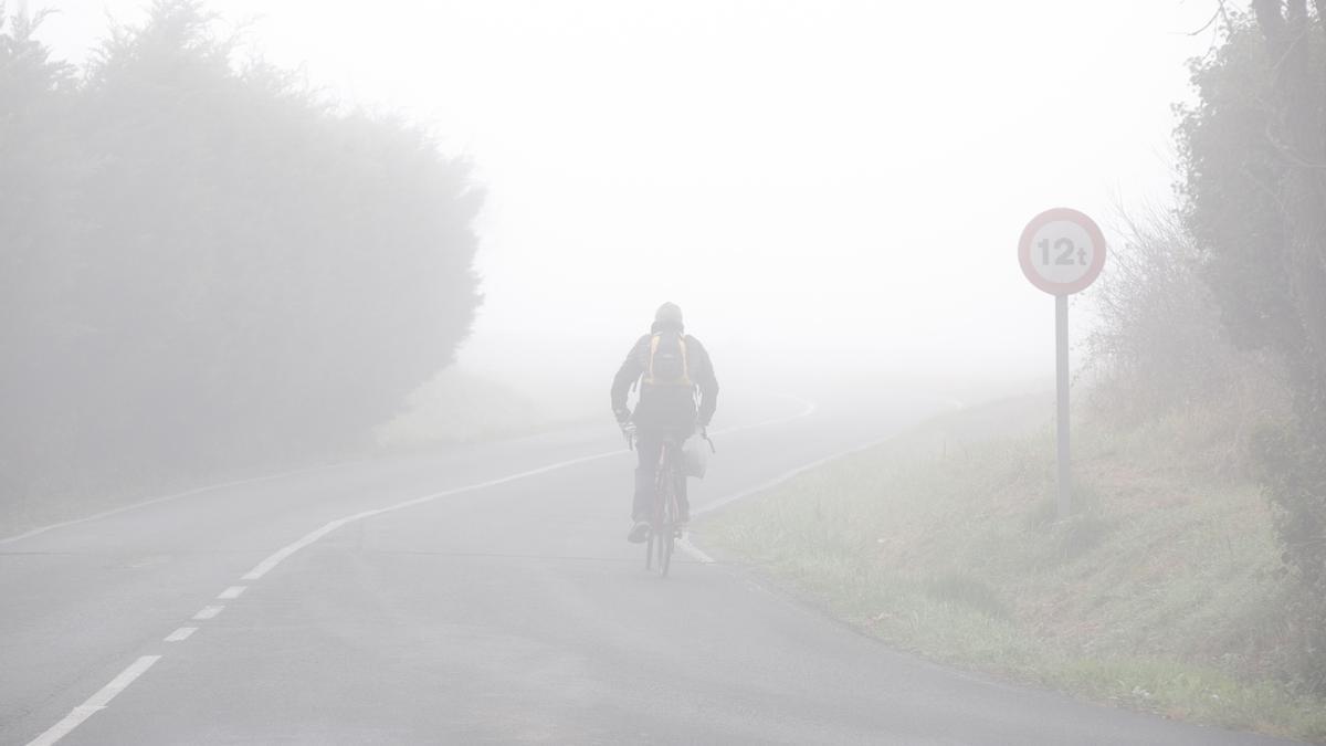 Espesas nieblas en torno a Vitoria