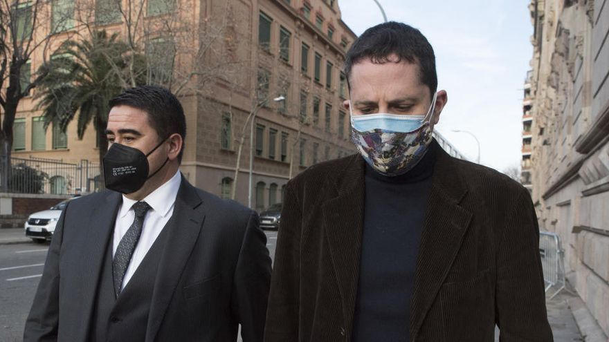 Tres anys de presó per a l'exrector de Sant Vicenç pel fals matrimoni d'una dona amb un mort