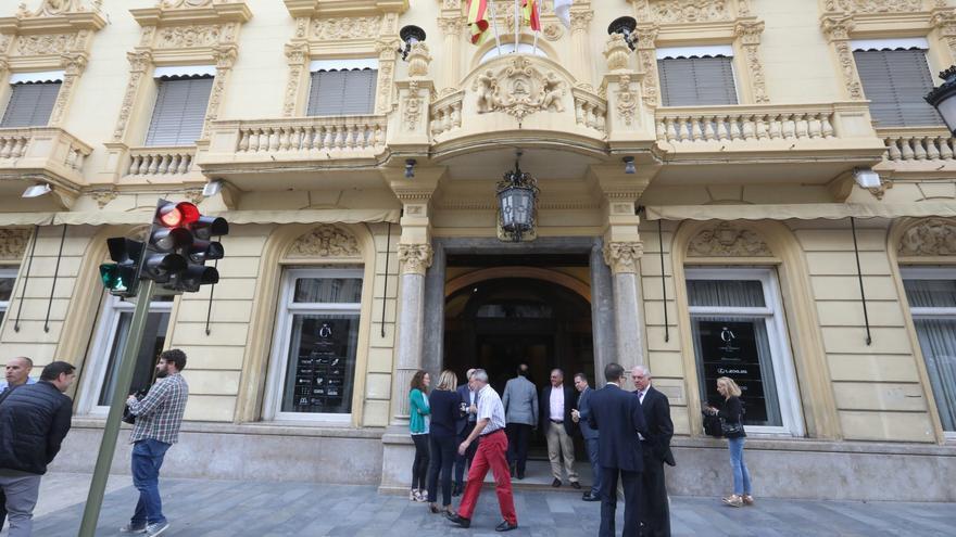 '1 Idea, 2 Estilos' la nueva muestra artística en el Casino Antiguo