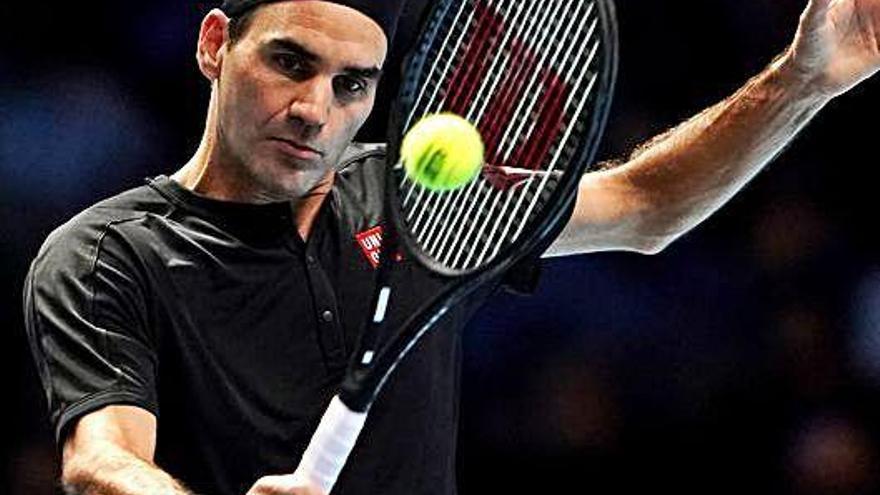 Federer no jugará hasta 2021 por una recaída