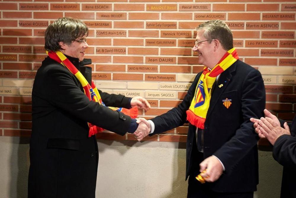 Puigdemont descobreix una placa amb el seu nom a l'estadi de la USAP