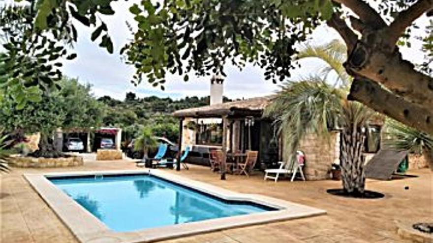 399.000 € Venta de casa en Benissa 4120 m2, 2 habitaciones, 2 baños, 97 €/m2...