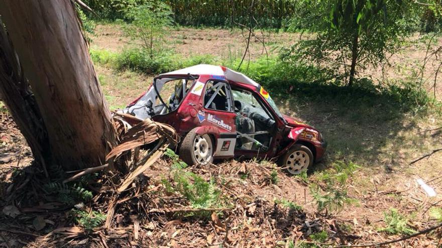 Dos heridos en un grave accidente en el Botafumeiro