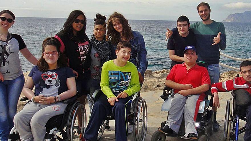 La Fundación 'la Caixa' colabora con la Associació Valenciana d'Espina Bífida en un proyecto de ocio inclusivo