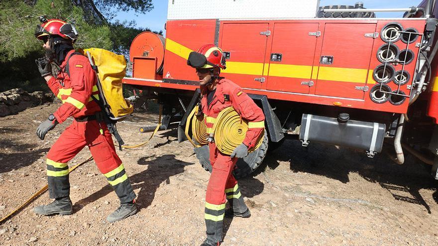 La Unidad Militar de Emergencias llega a Ibiza para realizar ejercicios de lucha contra incendios