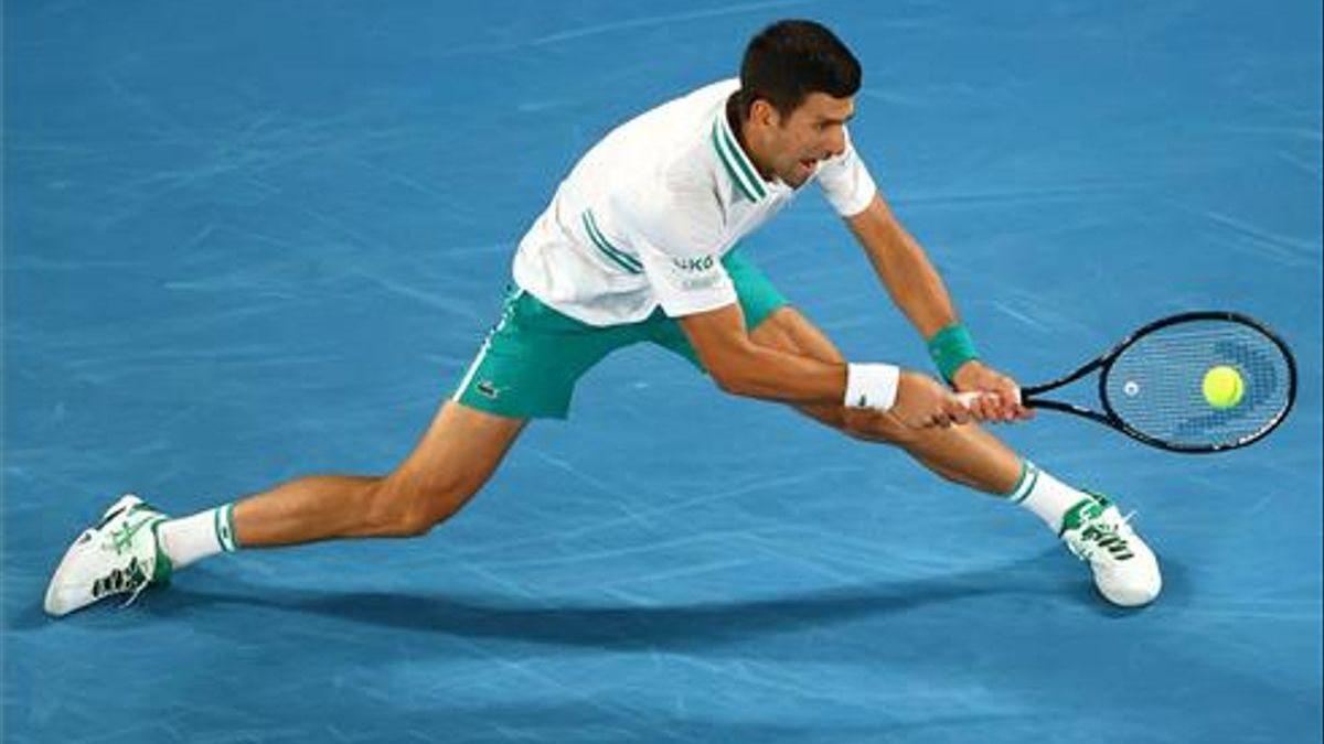 Djokovic aplasta a Medvedev en Australia