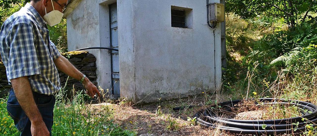 Jesús Cedrón, junto al depósito de agua de San Emiliano. | D. Á.