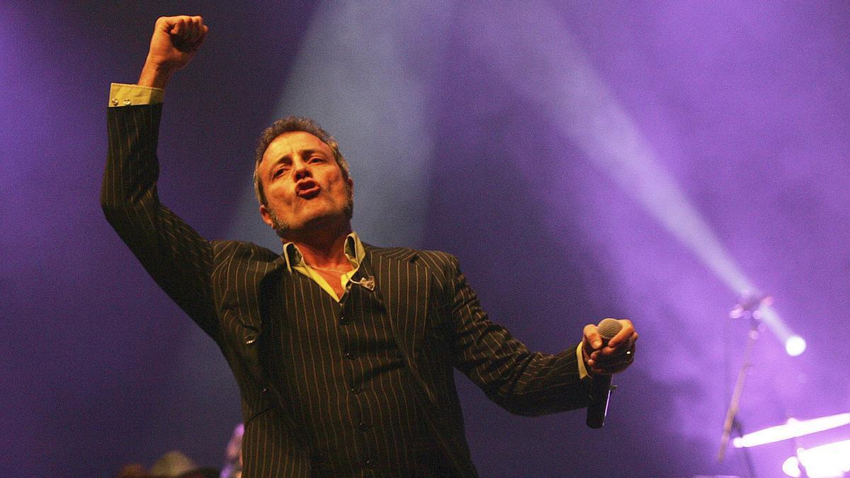 Carlos Tarque durante uno de sus conciertos.