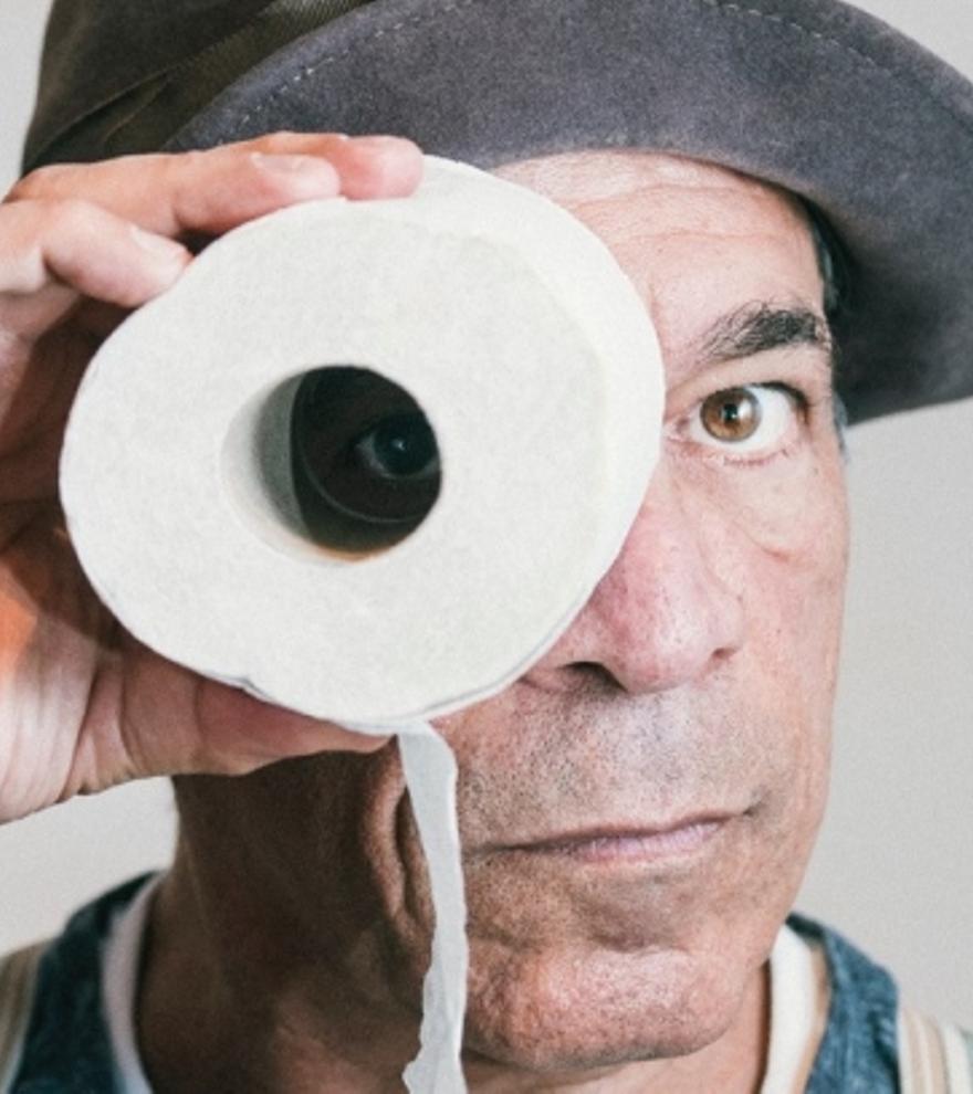 8  euros de descompte per entrada per escoltar Peter Shub «Stand Up and Fall Down»