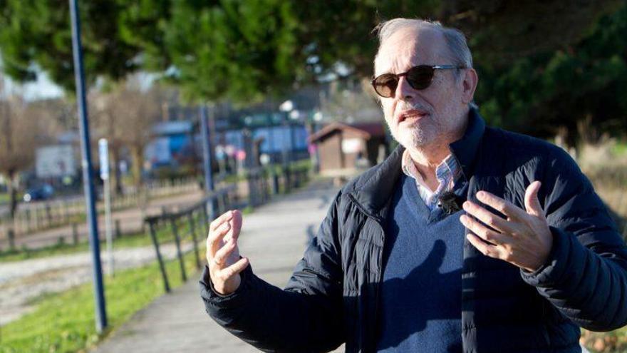 Antonio Figueras: «Ingerimos microplásticos con la sal de mesa y el agua envasada»