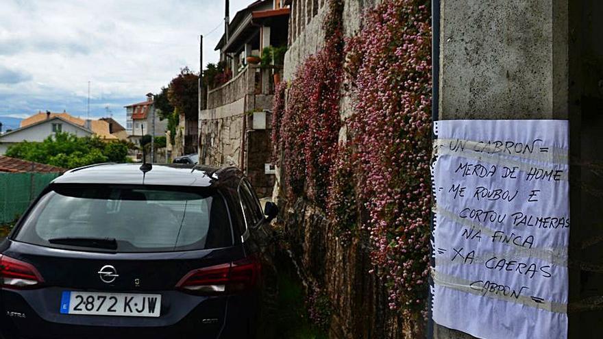 La Policía investiga carteles con amenazas a un vecino colgados en Os Remedios