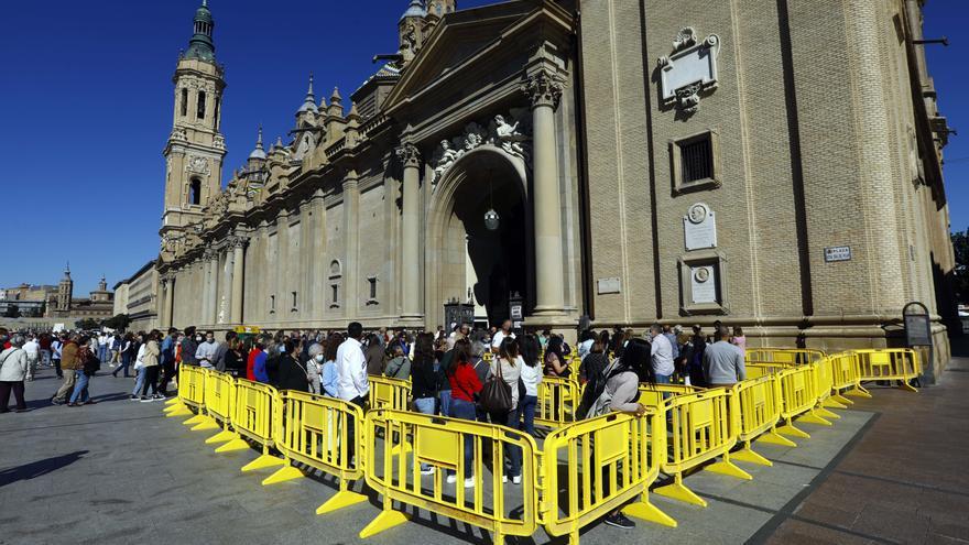 El deán del Cabildo pide paciencia para poder acceder a la Basílica del Pilar