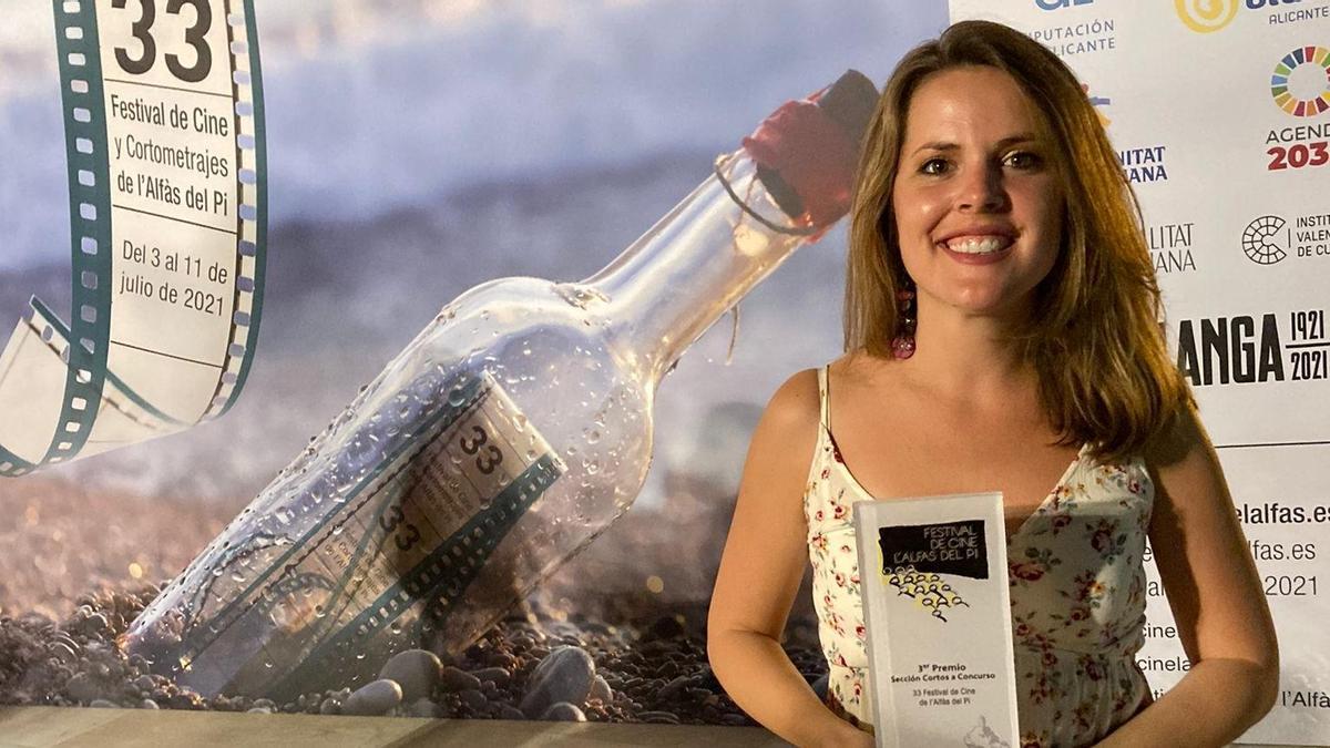 Claudia Bolte, recollint el tercer premi al Festival Alfàs del Pi