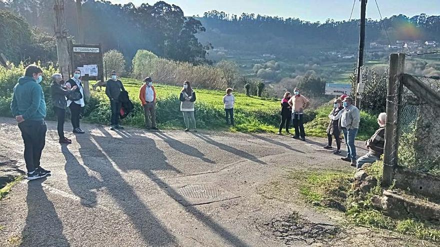 El BNG explica a los vecinos de Miñán las gestiones para atender sus demandas