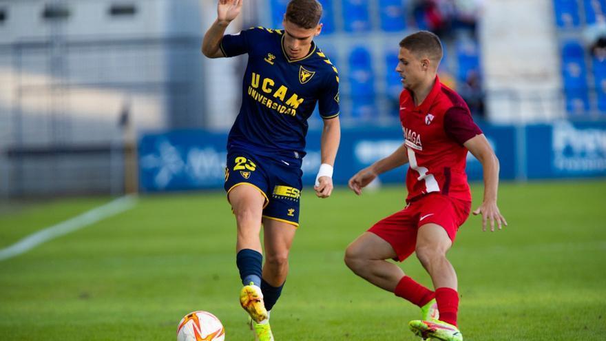 El UCAM coge oxígeno ante el Sevilla Atlético (2-1)