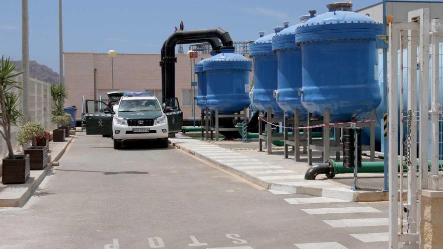La juez imputa a ocho socios y directivos de la desaladora de Escombreras junto con Cerdá