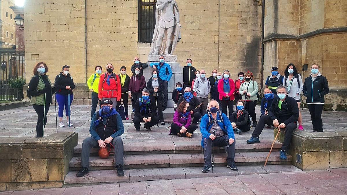 El colectivo Siero Jacobeo recorre la primera etapa del Camino Primitivo   A. I.