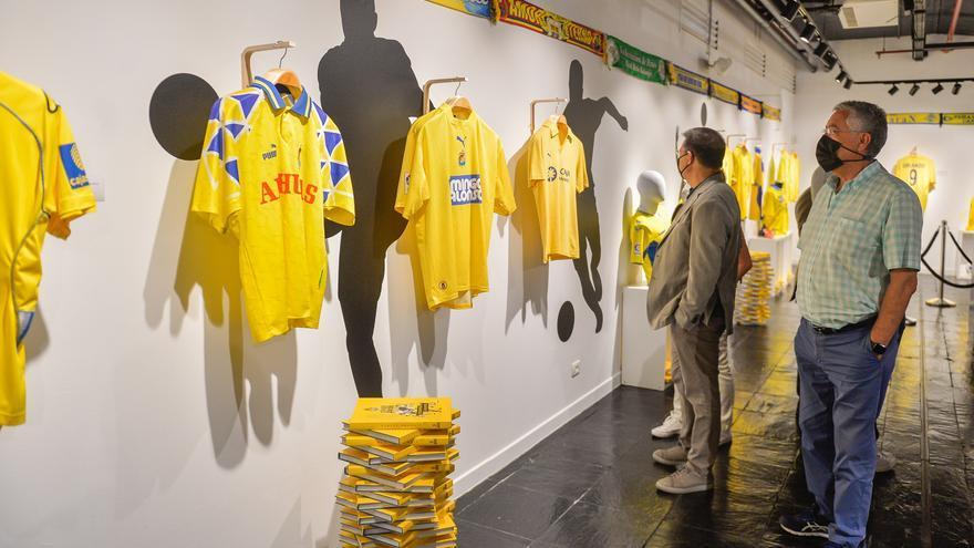46 camisetas de la UD Las Palmas, 46 trozos de historia amarilla en el Museo Elder