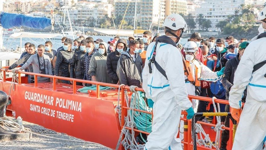 Canarias exige compartir la carga de la migración con el resto de España