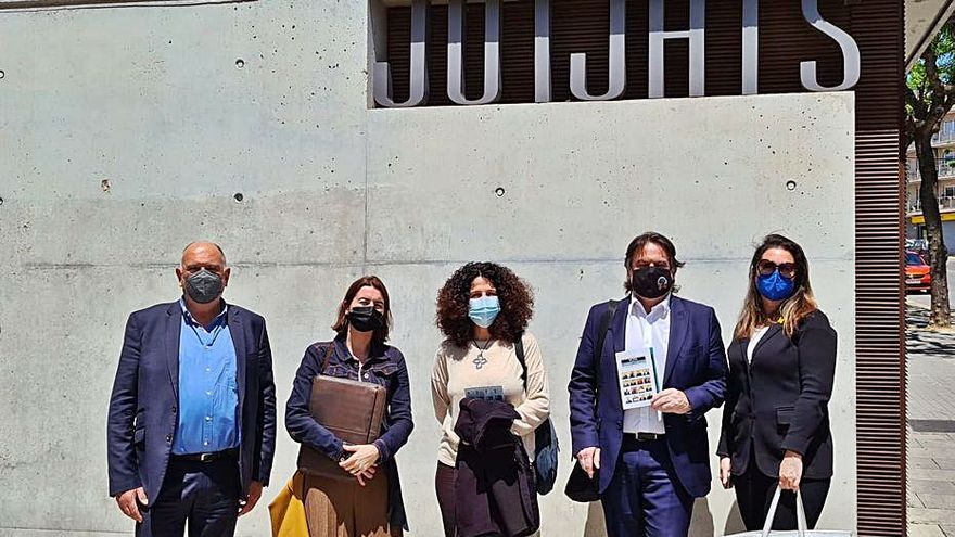 El candidat alternatiu al deganat del Col·legi de l'Advocacia visita Igualada