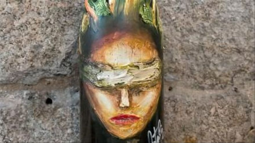 Vino y arte en una botella de Ribeiro