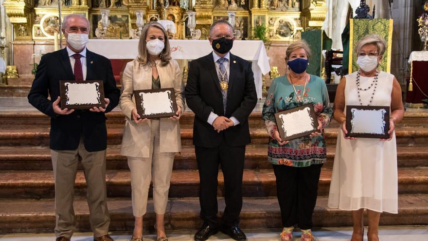 La archicofradía de la Virgen de Araceli de Lucena distingue al Área Sanitaria Sur y a la residencias de mayores por su labor en la pandemia