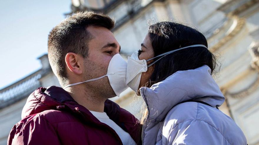 Moncloa estudia controlar els preus de mascaretes, guants i altre material de protecció contra la covid-19