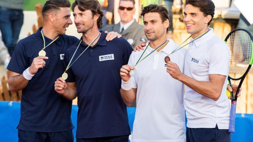 Tenis y risas en el duelo de Ferrero y Joaquín contra Ferrer y Bartra