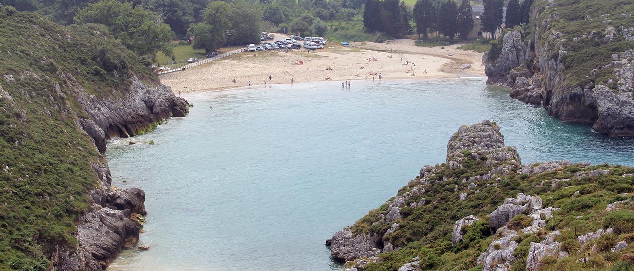 Playa de Cuevas del Mar (Llanes)