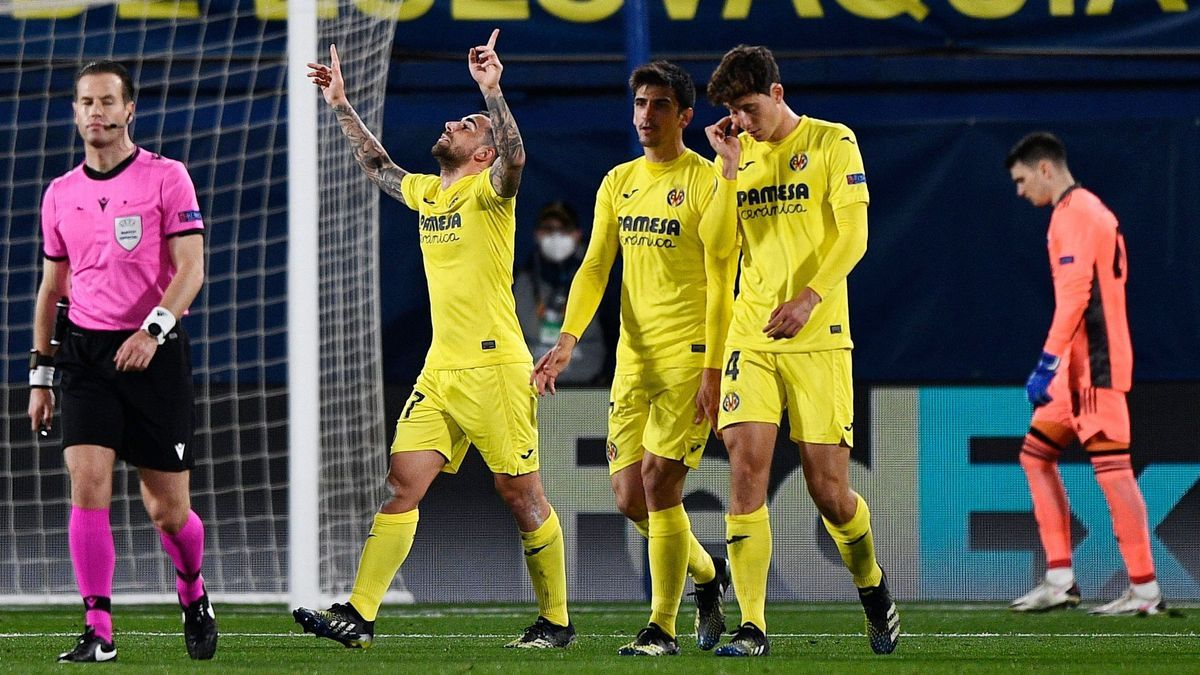 Los jugadores del Villarreal celebran el primer gol ante el Dinamo de Zagreb.