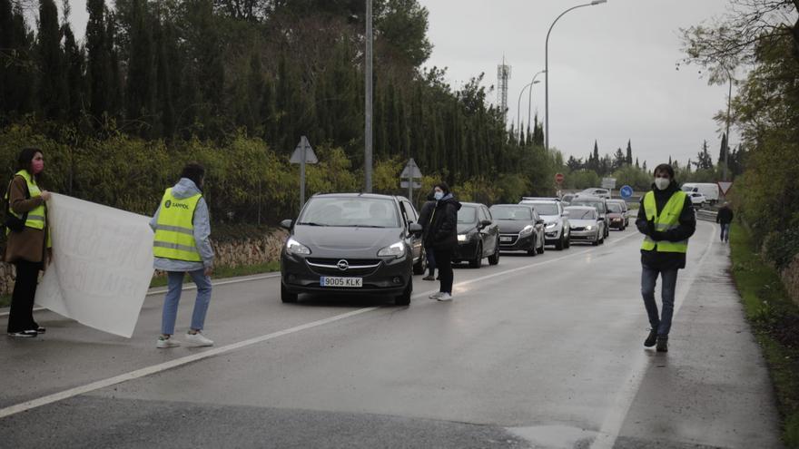 Retenciones para llegar a la UIB por la huelga en apoyo a Pablo Hasél
