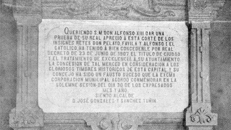 Cangas de Onís no es ciudad en Wikipedia