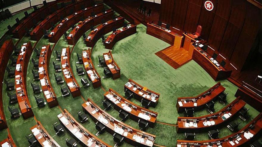 Dimissió en bloc de diputats  pro democràcia de Hong Kong