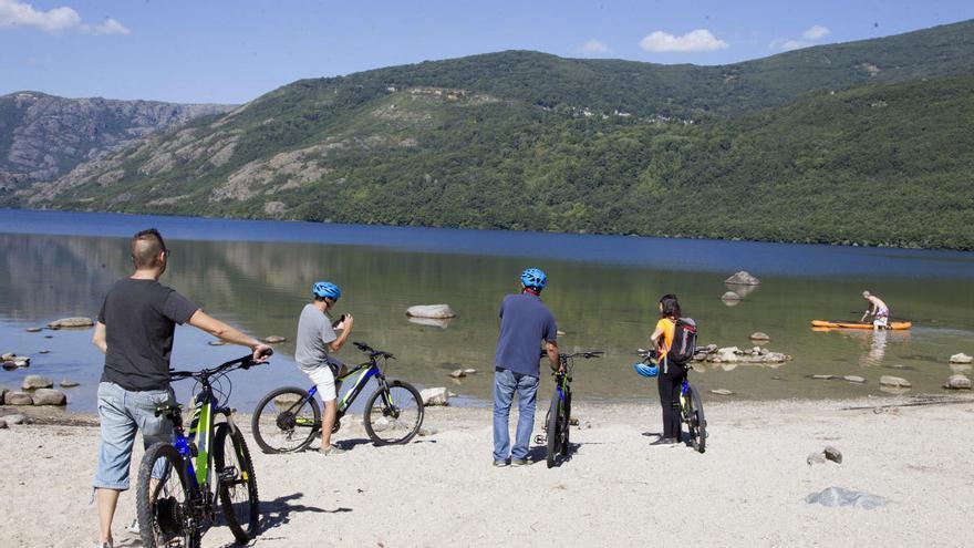 Piden medidas para evitar el impacto de los vehículos por el Parque Natural del Lago de Sanabria