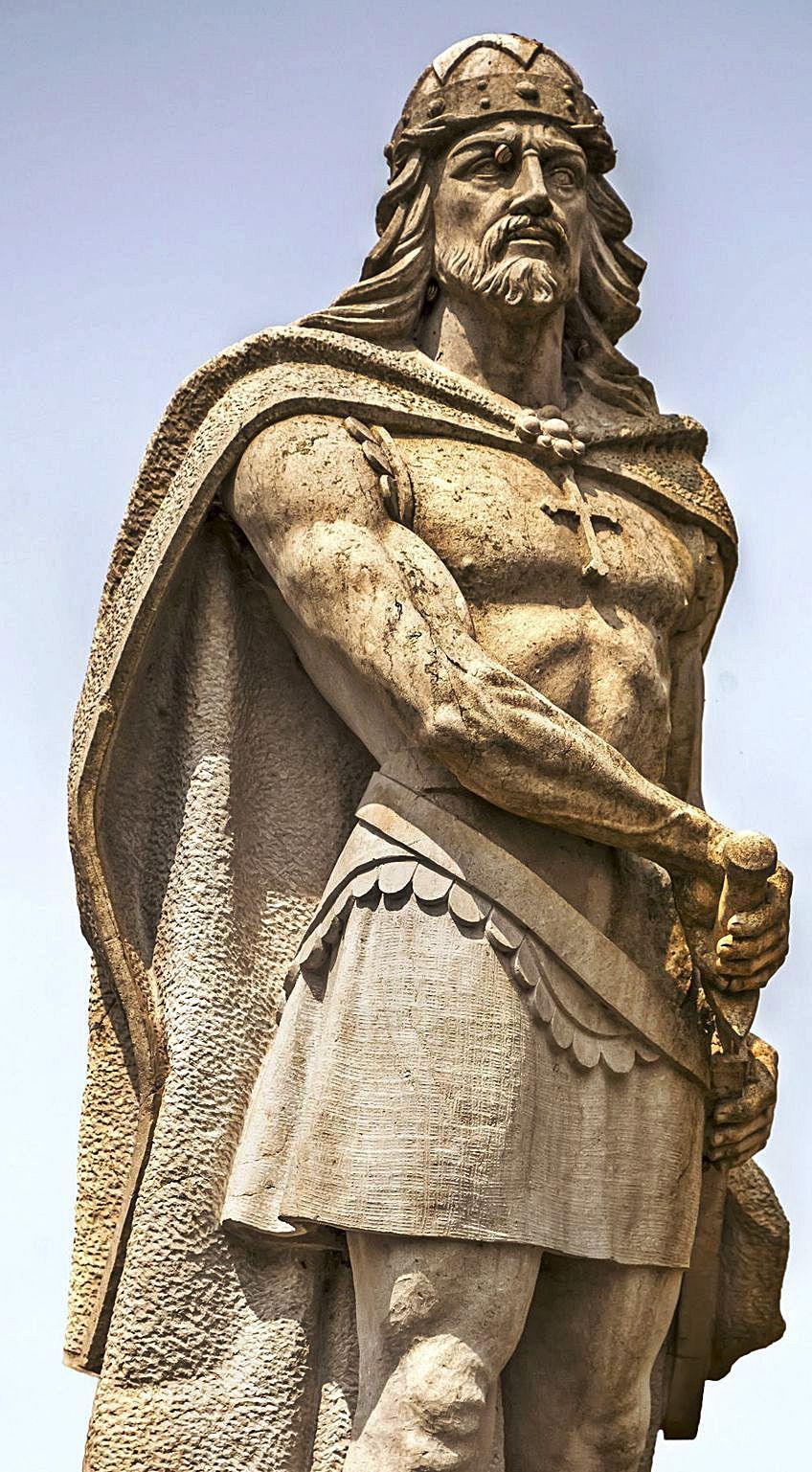 Estatua de Pelayo.