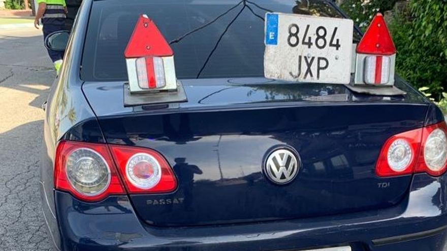 Intenta arrollar a los policías que le dan el alto por llevar un taxi ilegal en Murcia
