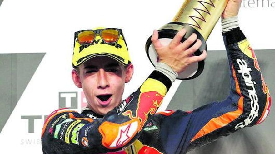 Masià cede el liderato de Moto3