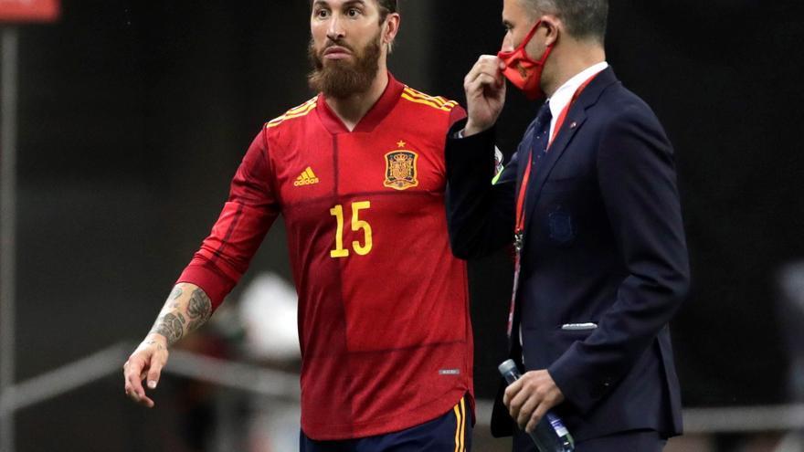El 15 de Sergio Ramos se queda sin dueño en la Selección
