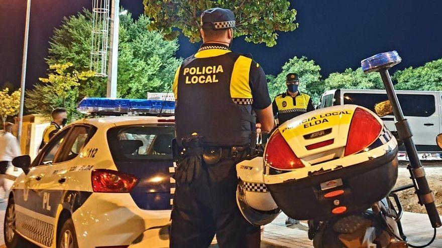 Tres horas para desalojar una fiesta con 36 jóvenes escondidos en un piso de Alicante