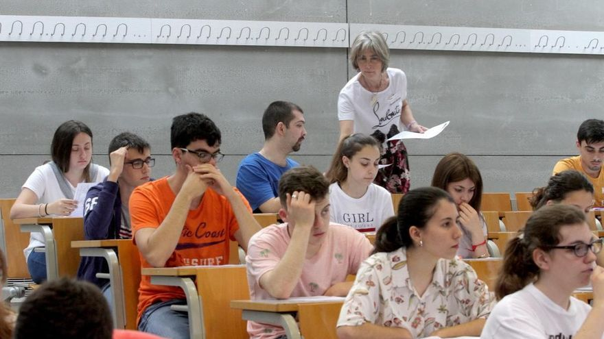 Arranca este martes la EBAU para 7.263 estudiantes de la Región de Murcia