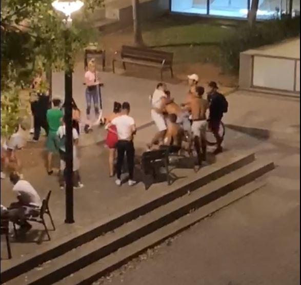 Vecinos del parque Wifi recogen firmas desesperados por los botellones y peleas