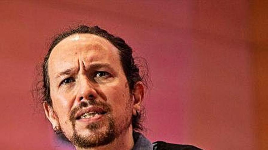 Exdirigents del PSOE demanen la destitució de Pablo Iglesias