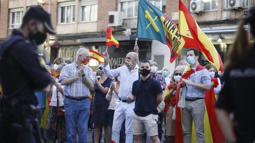 Concentración en Zaragoza en apoyo al coronel de la Guardia Civil Pérez de los Cobos