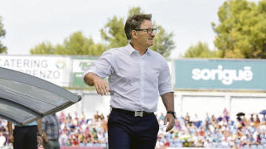 Anquela firma una temporada con el Oviedo