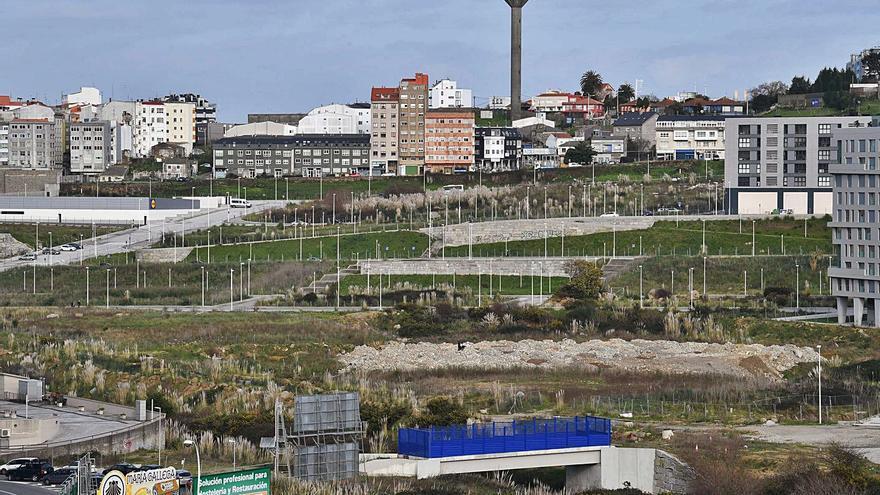 Los propietarios del suelo impulsan un plan para unos 70 pisos entre Monelos y Xuxán