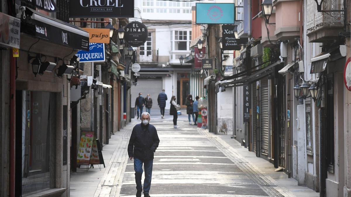 Locales hosteleros cerrados en la coruñesa calle de la Franxa.