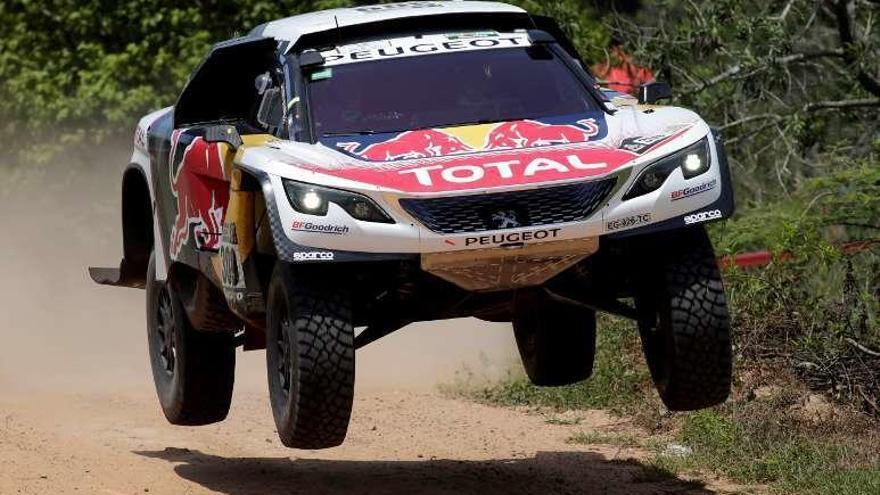 Loeb gana la segunda etapa y es el nuevo líder en el Dakar en coches