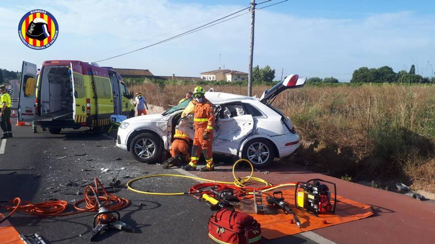 Una mujer y sus dos hijos, heridos en un accidente en Nàquera